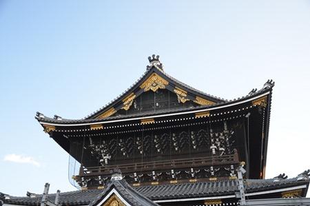 One of the towers of the Hingashi Honganji Shrine